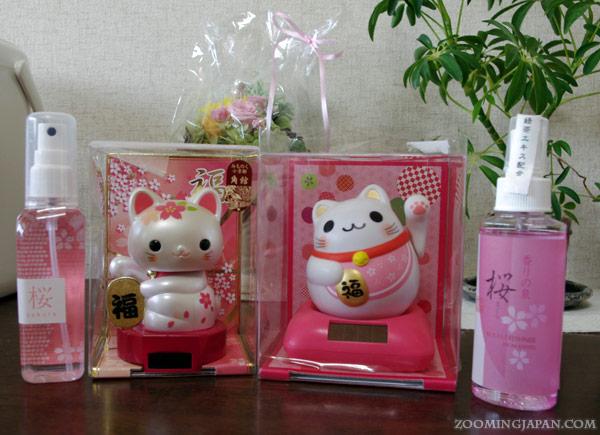 Maneki Neko, Japanese souvenirs