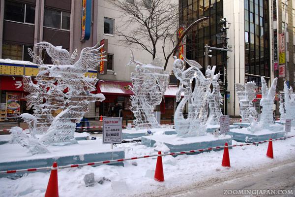 impressive snow sculptures at the sapporo winter festival. Black Bedroom Furniture Sets. Home Design Ideas