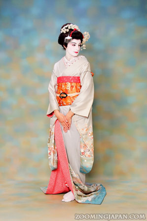 Maiko Dress-Up in Kyoto
