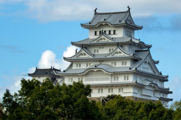 Japanese Castles Backpacker's Guide