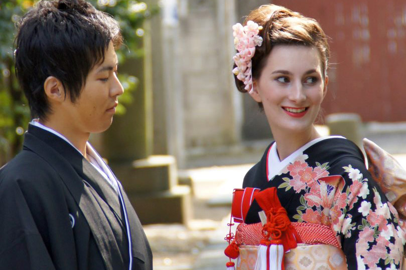 Japanese courtship dating rituals